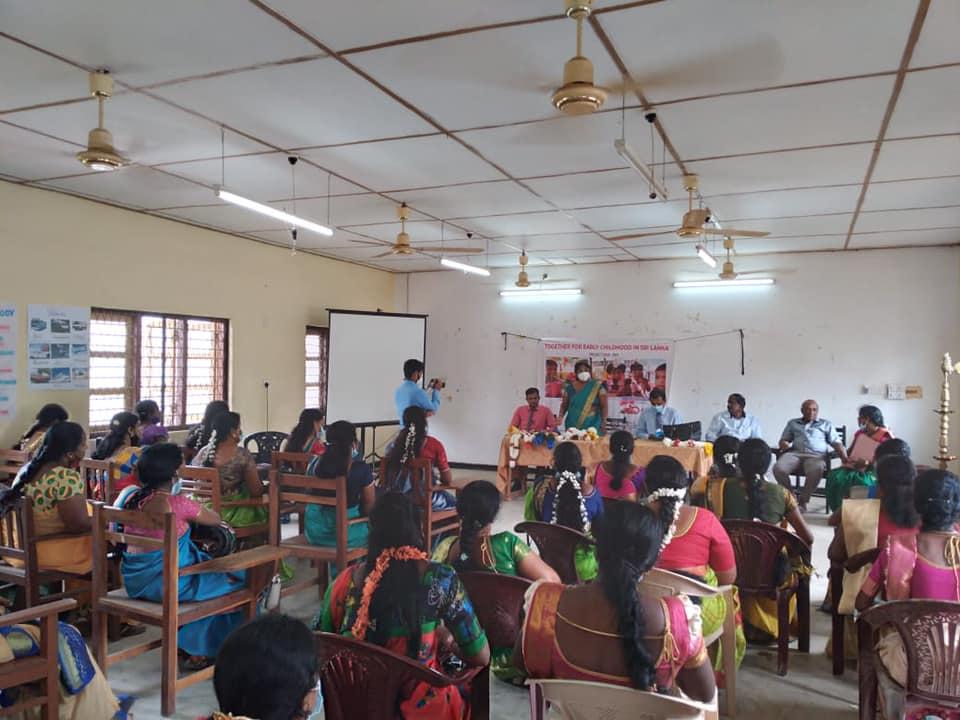 முன்பள்ளி ஆசிரியர்களுக்கான  அடிப்படை ஆங்கிலம் வகுப்புக்களுக்கான சான்றிதழ் வழங்குதல் நிகழ்வு